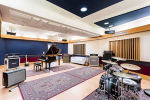 massive-arts-studios-ultimatv