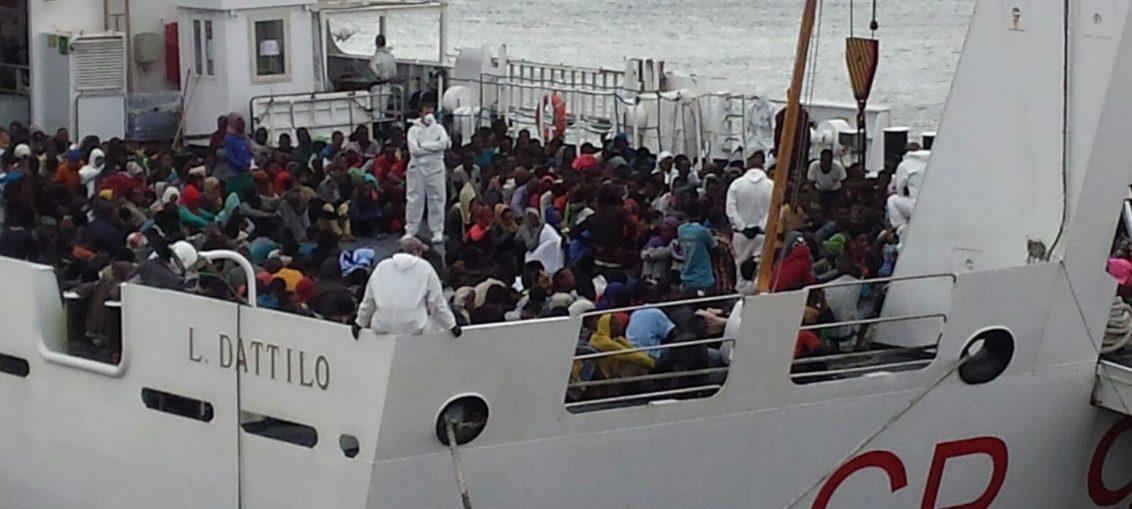 Migranti-Sbarco-Catania-2-UltimaTV-7-1132x509.jpeg (1132×509)