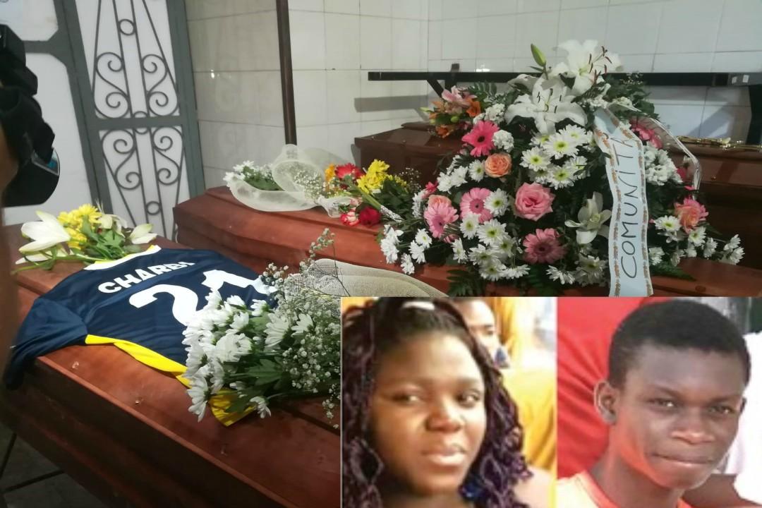 sono svolti oggi i funerali di Charby e Sephora, i due fratelli morti annegati alla Plaia a causa della cattive condizioni climatiche.