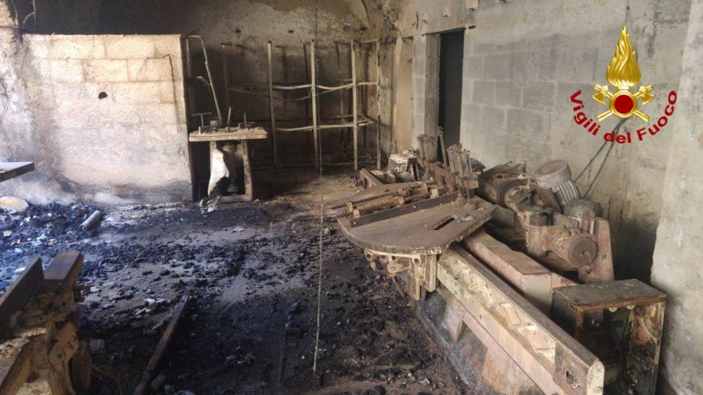 incendio fabbrica di bare via Cortile Archirotti, Catania-ultimatv