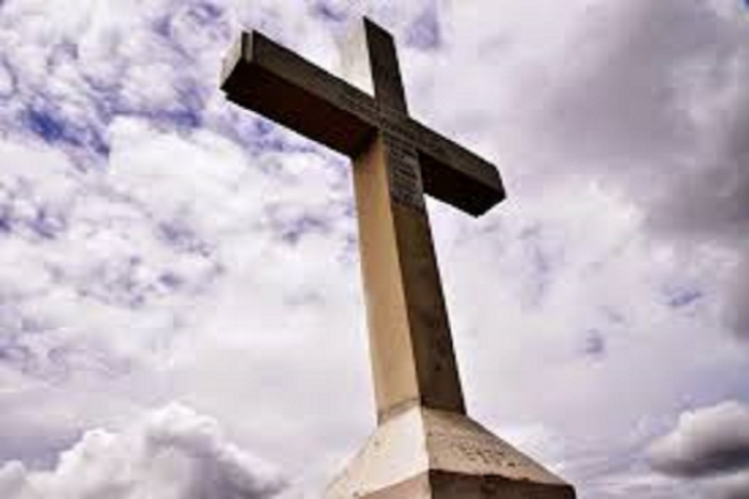 Catania: danneggia statua del Cristo in Croce, arrestato