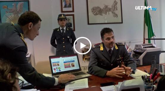 La Guardia di Finanza ha arrestato Giuseppe Corona, che mostrava su Facebook la foto del vicepremier Luigi di Maio all'interno della sua caffetteria.
