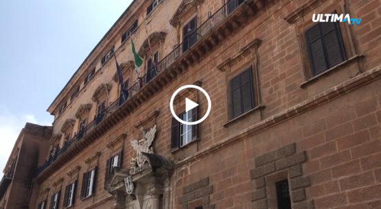 In merito alla richiesta fatta ai comuni siciliani di adempiere nei tempi all'ordinanza regionale sul ricorso a forme speciali di gestione dei rifiuti, si è accesa la polemica del movimento 5 stelle che chiede le dimissioni di Musumeci da commissario straordinario.