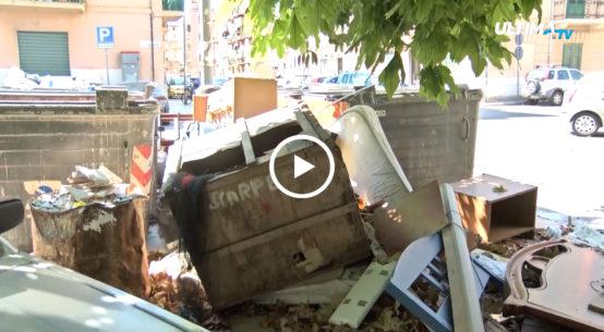 La Zisa, un quartiere ostaggio dell'immondizia. Discariche a cielo aperto, spesso caratterizzate da cumuli di materiale edile di risulta.