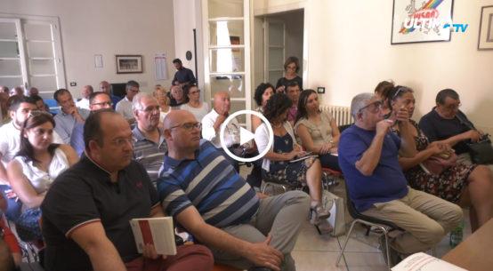 Tracciabilità dei prodotti e corretta informazione ai cittadini. UltimaTv ne ha parlato con l'associazione di consumatori dell'Adoc nella sede della Uil di Catania.