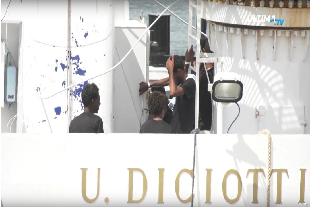 Dopo l'allarme diffusosi negli scorsi giorni, è stata smentita la possibilità di un epidemia di scabbia a bordo della nave Diciotti.