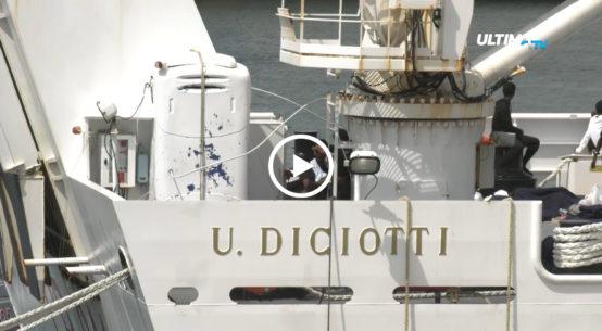 Resta ormeggiata al porto del capoluogo etneo la nave Diciotti della Guardia Costiera, il cui attracco è stato autorizzato ieri sera dal ministro Toninelli.