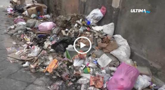 Esordio non facile per la ditta Dusty in una Catania ancora invasa dai rifiuti. La manager Rossella Pezzino: