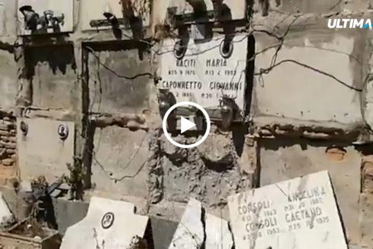 Loculi vandalizzati e lasciati in uno stato di devastazione. E' questo lo stato di incuria in cui si trova il Cimitero di Catania.