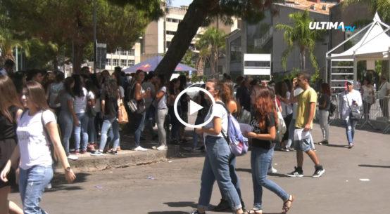 Proseguono i test di ingresso ai corsi di laurea a numero chiuso dell ateneo di Catania e gli interrogativi sulle modalità con cui vengono strutturati.