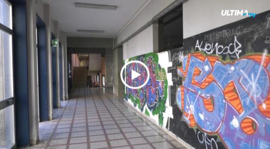 Dopo i furti di cave di rame degli scorsi giorni, gli studenti e i docenti dell'Istituto Gemmellaro sono costretti a fare lezione senza energia elettrica.