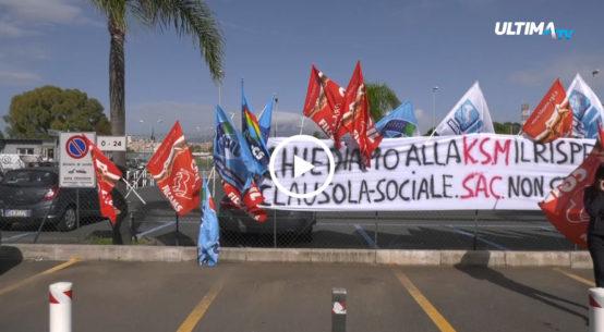 Protesta questa mattina davanti gli uffici Sac dei 30 lavoratori addetti alla vigilanza armata dell'Aeroporto di Catania.