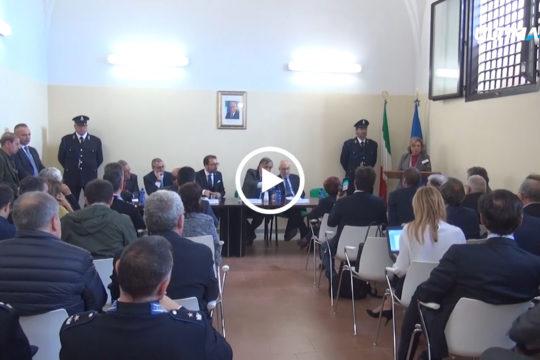 Alcuni detenuti saranno impegnati nella pulizia all'interno dell'ex ospedale militare, dove saranno trasferiti alcuni reparti, a Monte Pellegrino.