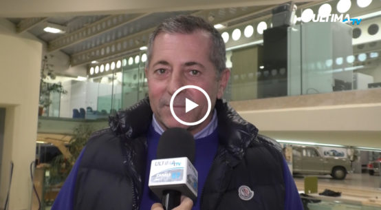Un dipendente della Multiservizi ha minacciato di voler accoltellare il sindaco di Acicastello Filippo Drago e due consiglieri comunali.