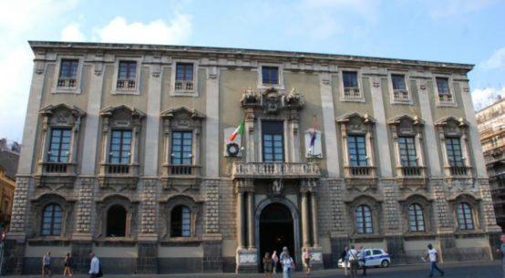 Confcommercio Catania lancia un allarme a Conte sul dissesto finanziario del Comune, sottolineando le imprese rischiano il default già nei prossimi giorni.