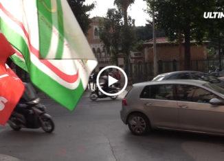 Protesta dei lavoratori dello store Fenice, l'azienda posta sotto sequestro che gestiva il supermercato all'interno della Galleria Portobello di Carini.