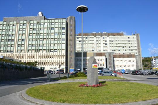Proseguono le cure per le due giovani catanesi ricoverate all'Ospedale Cannizzaro di Catania, coinvolte in un incidente stradale avvenuto in Kenya.