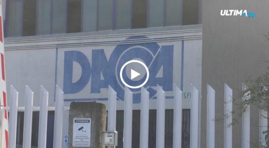La storica azienda produttrice di stoviglie di plastica monouso, la Dacca di Aci Catena, nel catanese, è pronta a cessare le attività.