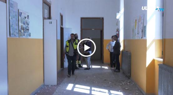 Per le scuole di Biancavilla danneggiate dal recente terremoto, sono in arrivo 810 mila euro dal ministero della pubblica istruzione. Il sindaco Antonio Bonanno e l'assessore alla pubblica istruzione Daniela Russo ( al telefono ) confermano cosi' l'inizio dell'iter per la messa in sicurezza post-sisma del 6 ottobre.